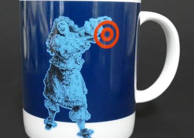 Porcelain mug, chromos